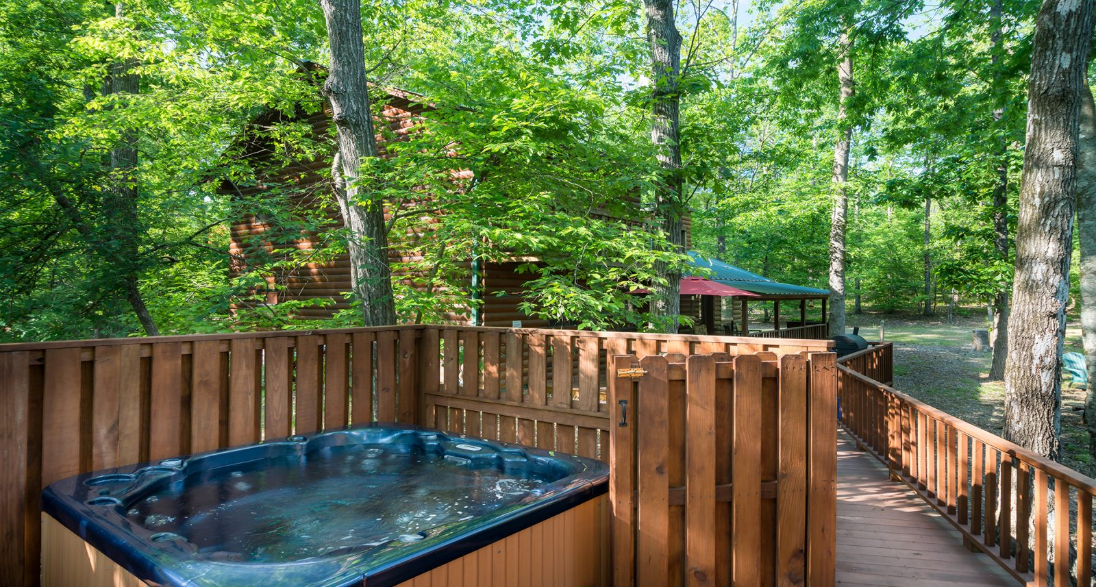 cabins-in-broken-bow-shady-hot-tub